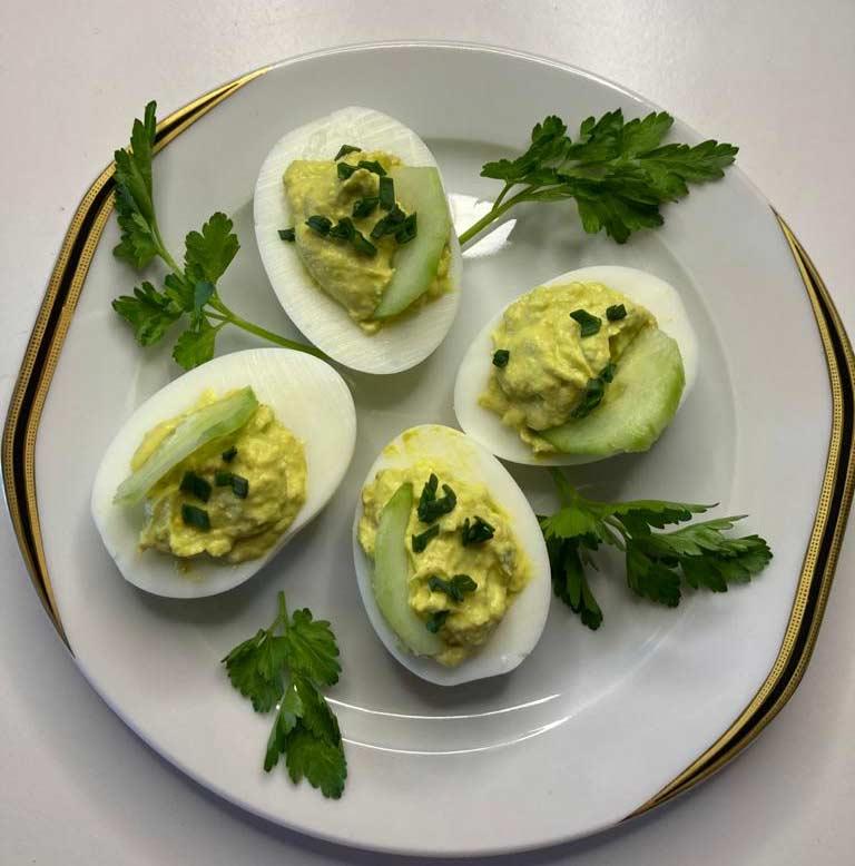 jaja-faszerowane-z-awokado.jpg