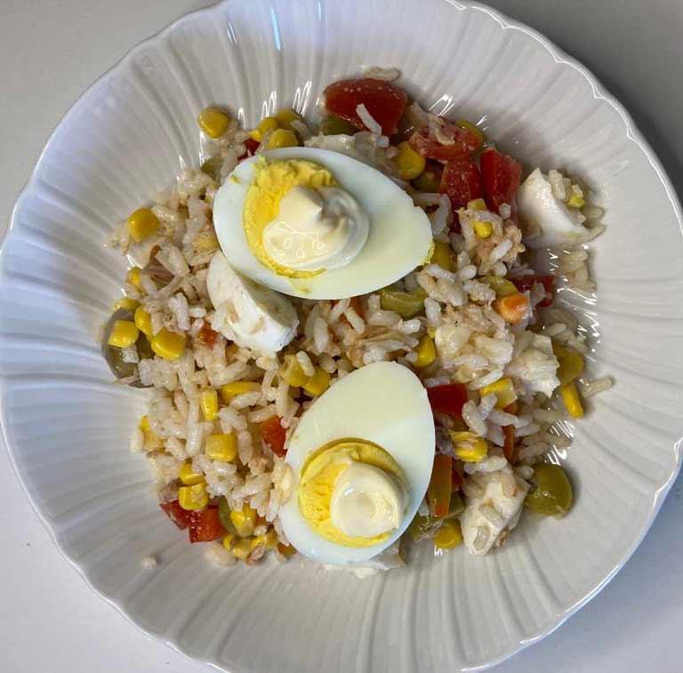 salata-ryzowa-z-jajkiem.jpg